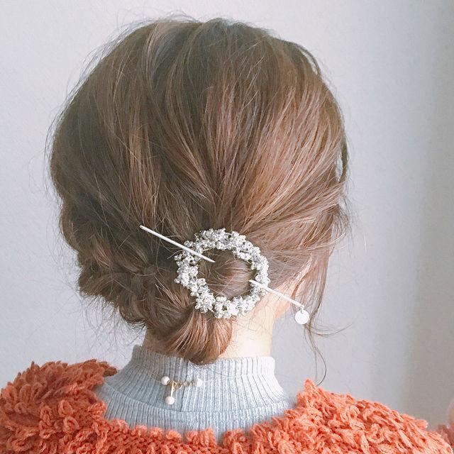 簡単かわいいヘアスタイル♡いろんなシニヨンの作り方 まとめ の画像