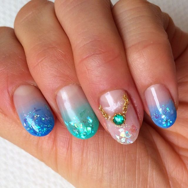 キラキラ輝く宝石みたいなクラッシュホロネイル , @cosmeまとめ(アットコスメまとめ)