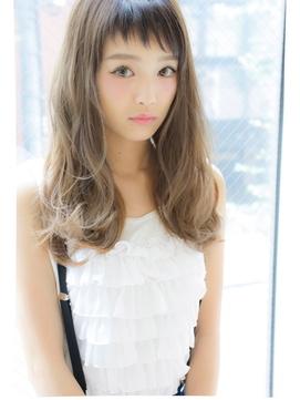モダンヘアスタイル おしゃれな髪型 女 : cosme.net