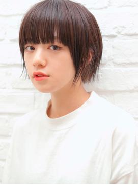 ぱっつん前髪×スリークショート